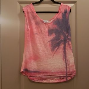 Fun Tank with Palm Tree Detail